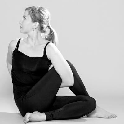 йога для начинающих в Москве в мини-группе недорого